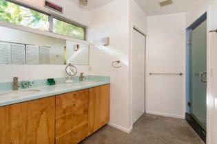 Parson Architecture Franklin Hills Midcentury Modern Master Bathroom