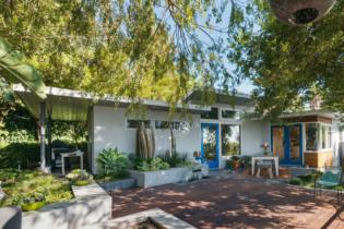 Parson Architecture Franklin Hills Midcentury Modern Exterior Patio
