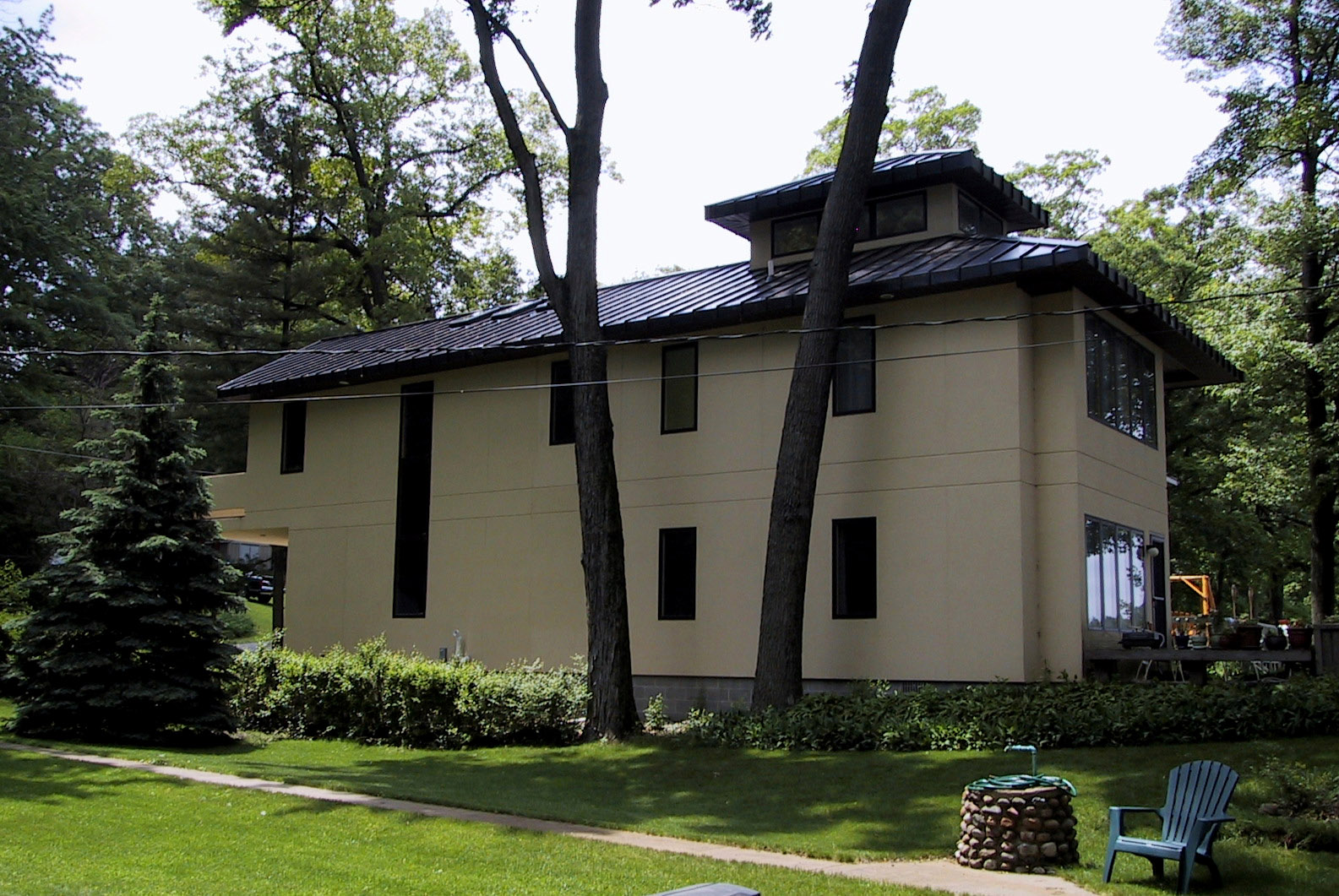 Parson Architecture Lakeside Retreat